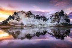 islandiia-nebo-gory-svet-stoksnes-pliazh-priliv-voda-otrazhe